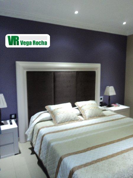 Dormitorios a medida carpinter as las palmas for Medidas dormitorio matrimonio
